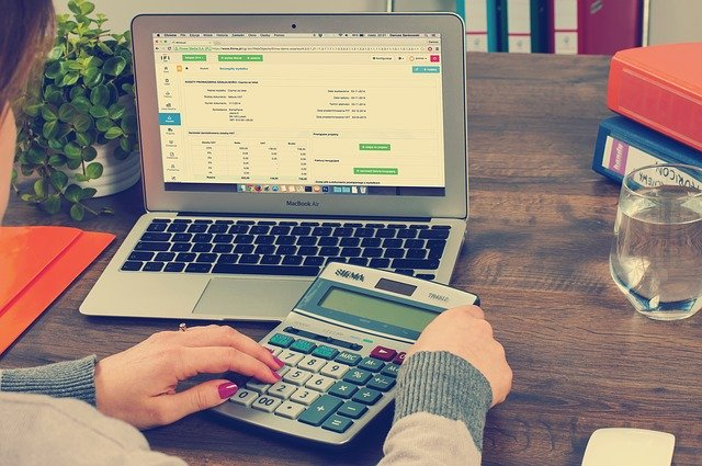 8 Reasons to Hire a Personal Accountant Today